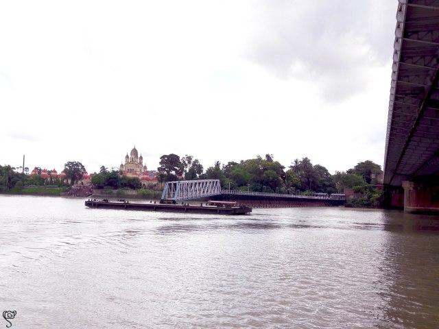The temple, jetty and the Vivekananda Bridge