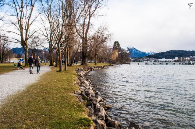 The long stretch of walkway around the lake Lucerne