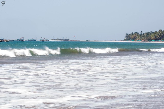 The jetty at a distance to connect to Sindhudurg