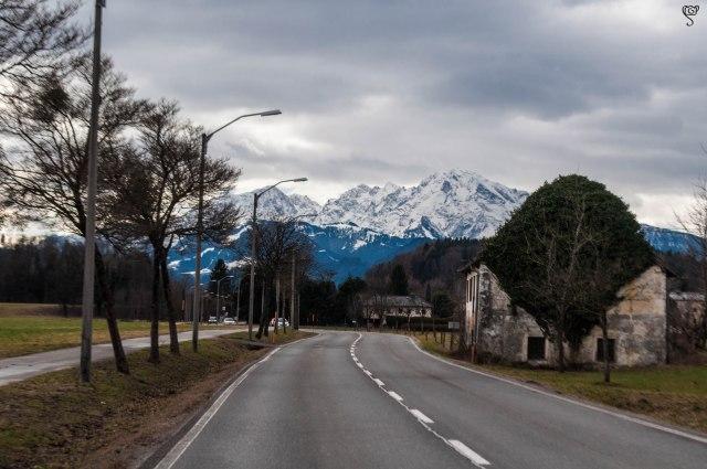 The white Alps all around
