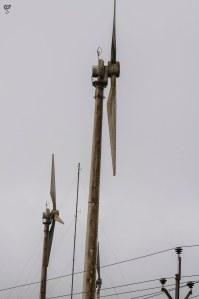 Cylindrical base wind turbine