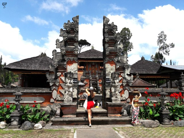 At Ulun Danu