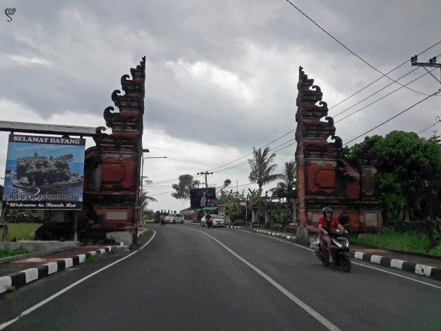 Candi Bentar saying Welcome to Tanah Lot - Selamat Datang
