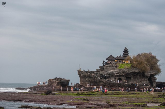 Tanah Lot Temple, again when it is crowded