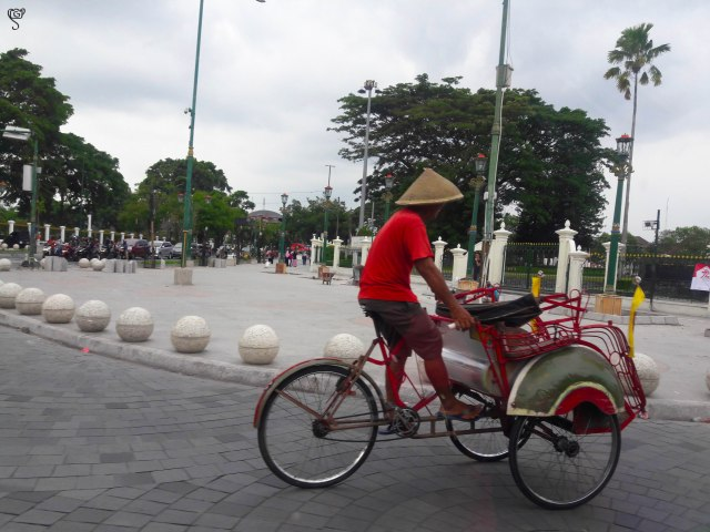 The Becak on the city street
