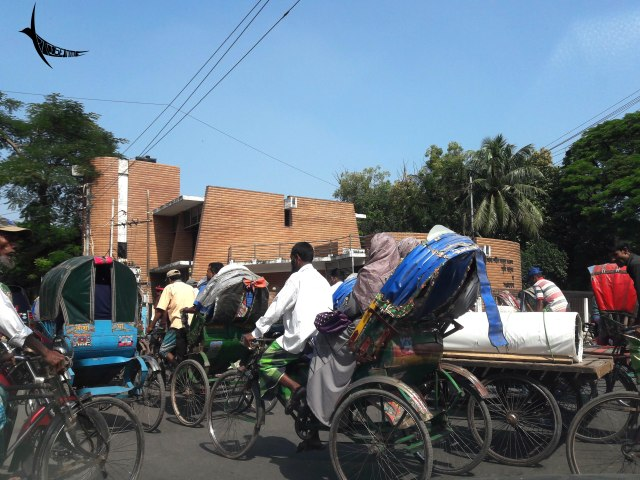 Here goes the cycle rickshaws