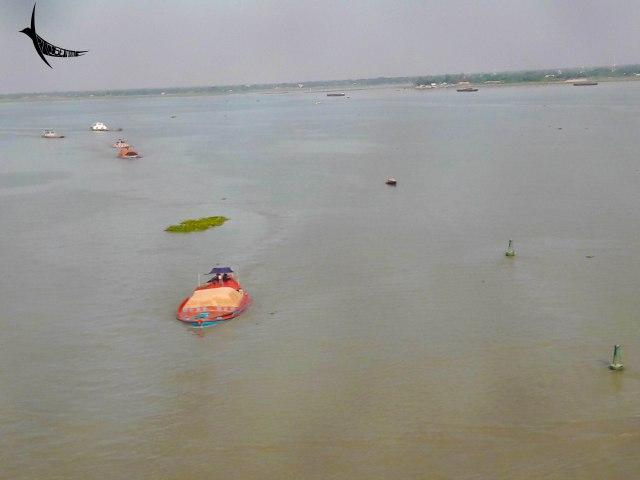 The Karnaphuli river from the Shah Amanat Bridge