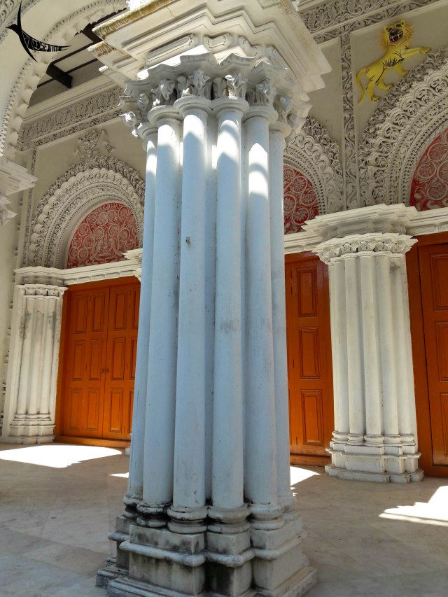 The round pillar is an attractive compulsory in most zamindar palaces