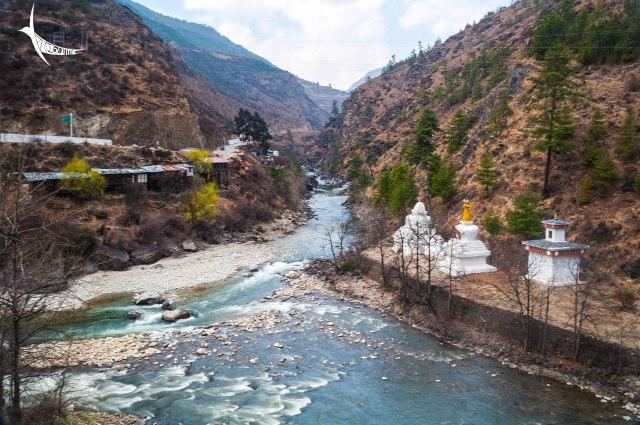 Chhuzom - the confluence of Paro Chhu and Thimphu Chhu, with the three stupas