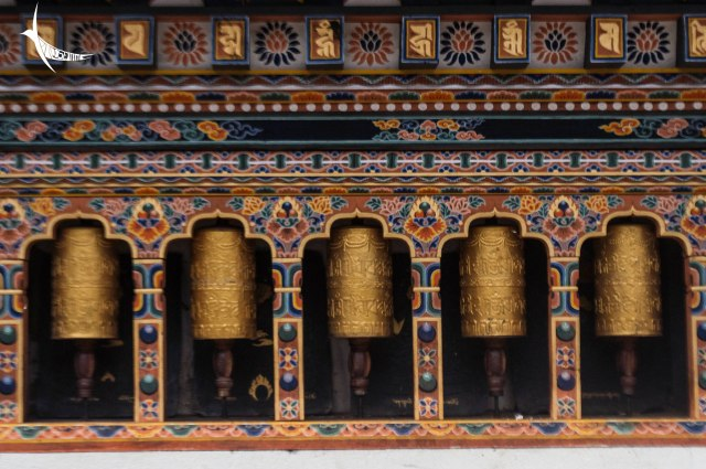 Prayer wheels in Gangtey monastery