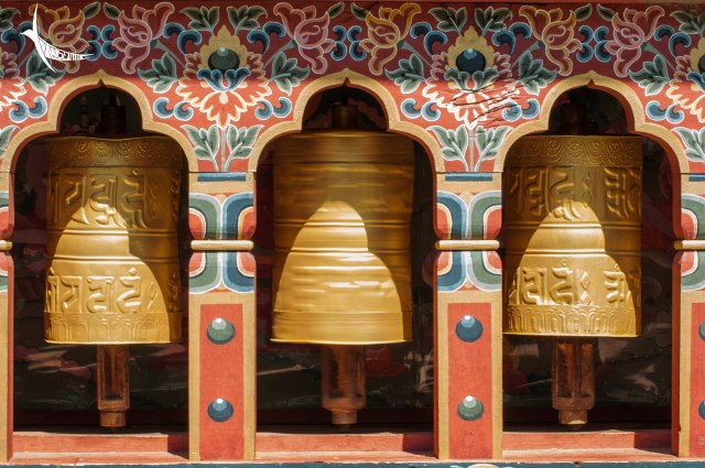 Prayer wheels in Lhakhang Karpo the White Temple