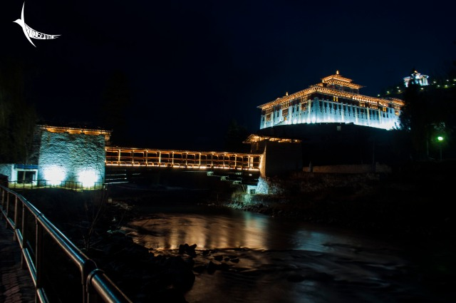 Rinpung Dzong or the Paro Dzong at night with the cantilever bridge over the river