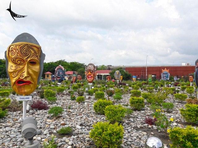 Mask Garden