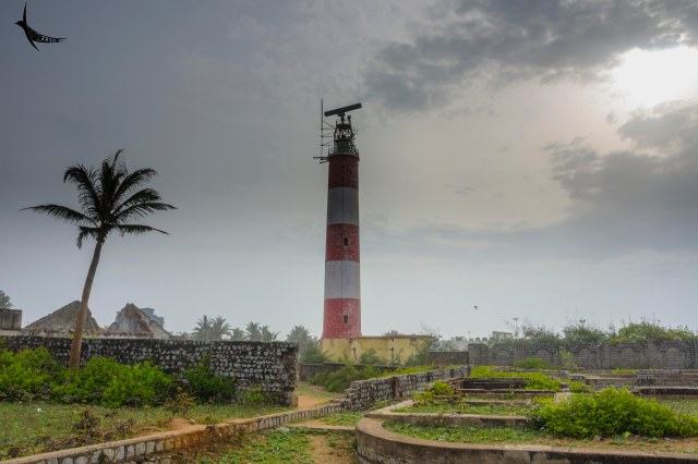 The lighthouse among the ruins