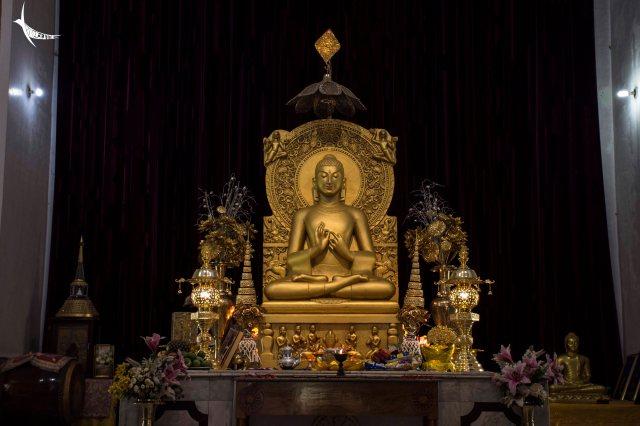 Inside the Mulagandhakuti Temple