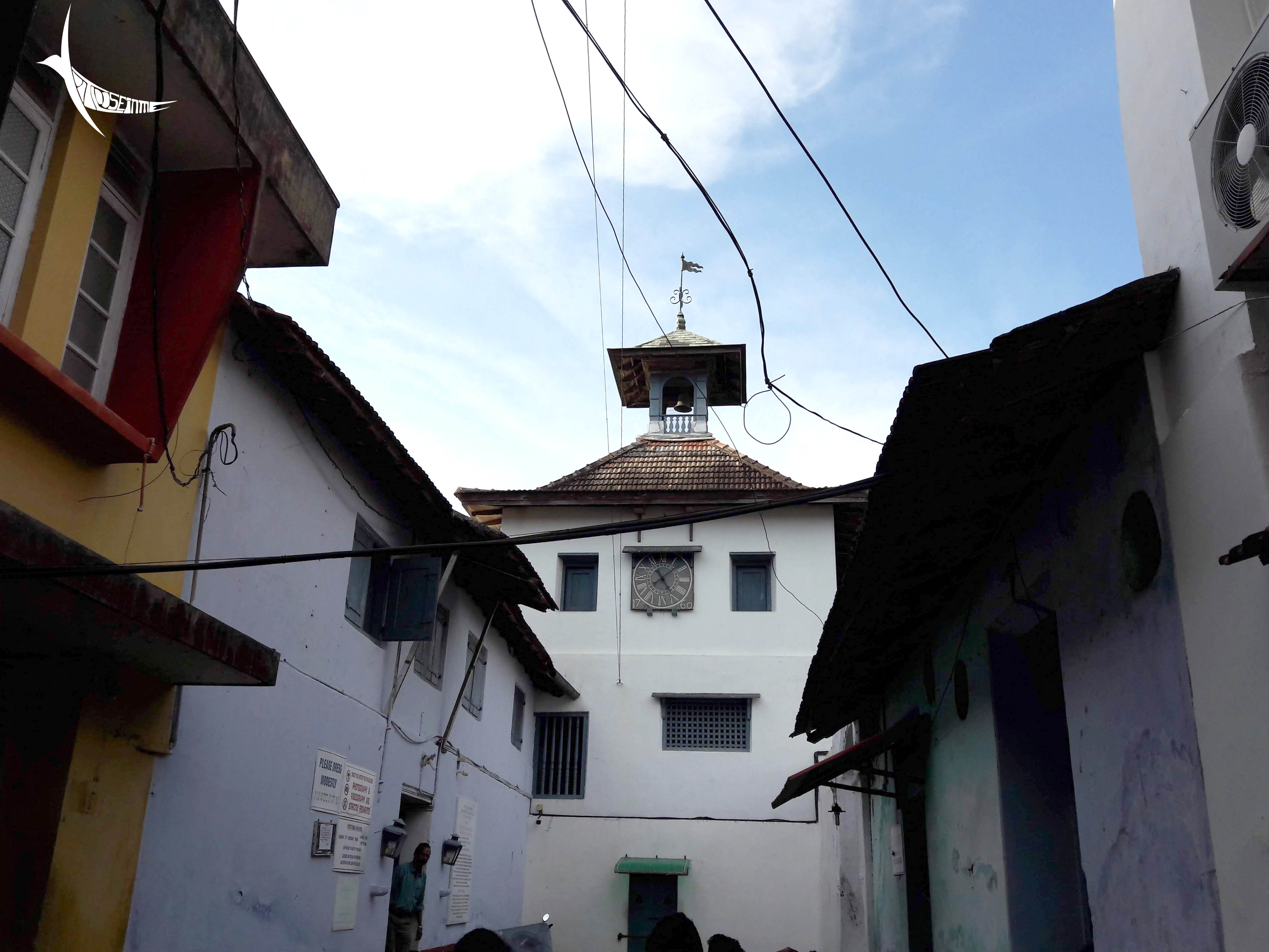 The clock tower of the Pardesi Synagogue