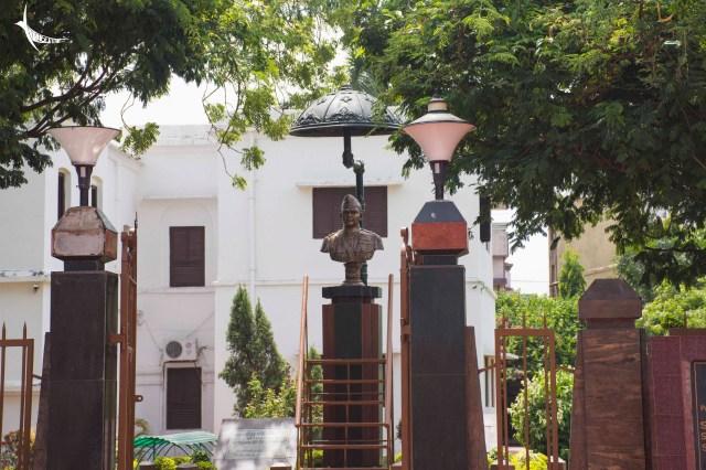 The sculpture of Netaji