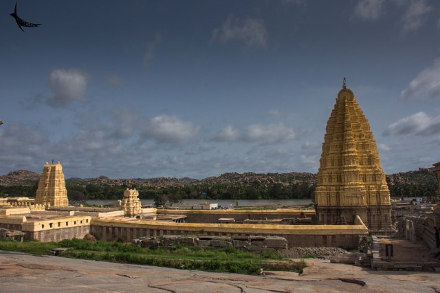 The boulderscape, the Tungabhadra and the Virupaksha Temple