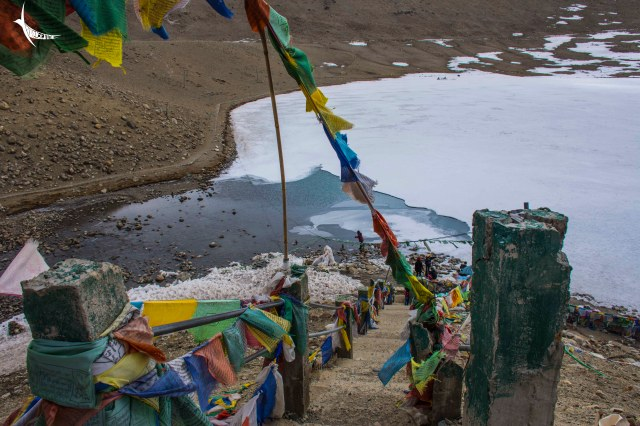 The part of the Gurudongmar lake that never freezes