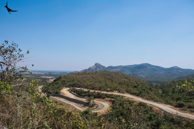 The meandering road to Ajodhya Pahar
