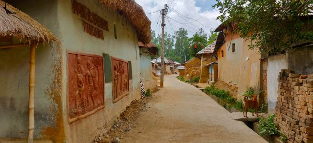 The tribal village near Shantiniketan