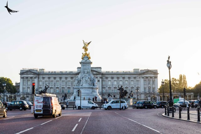 Buckingham Palace behind the Victoria Memorial