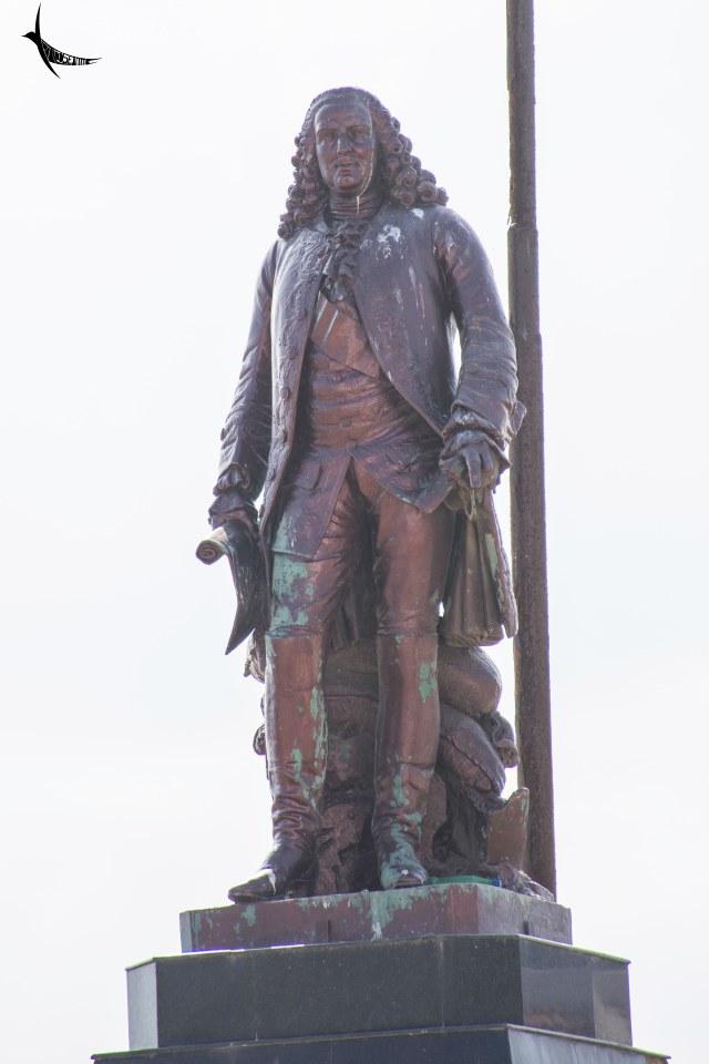 Governor Dupleix statue