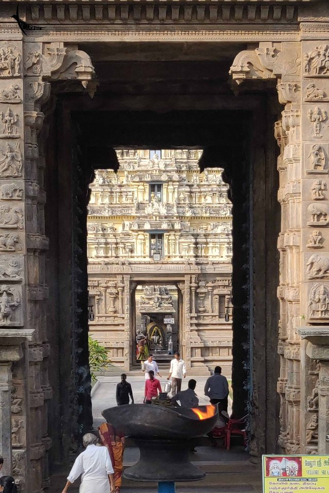 Jalakanteshwara Temple entrance with the temple lamp