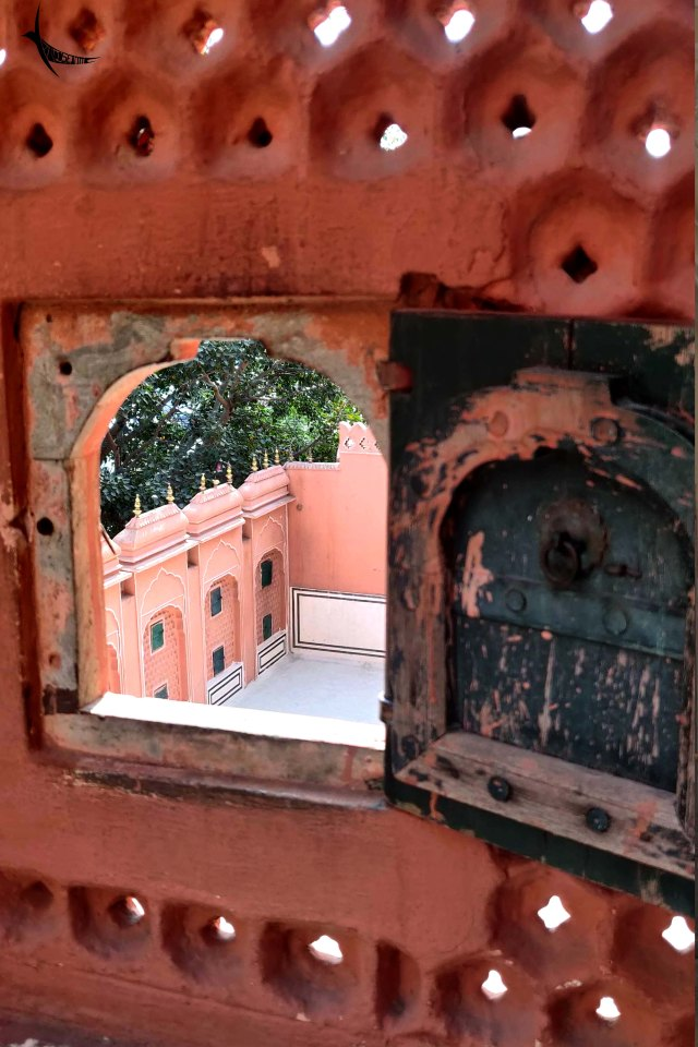 Pink city from the pink 'Jharokha'