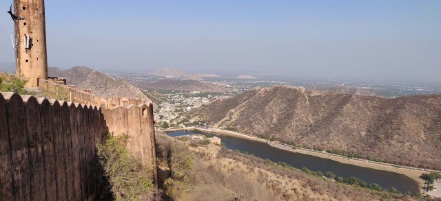 View from the Jaigarh Fort overlooking the Maota Lake