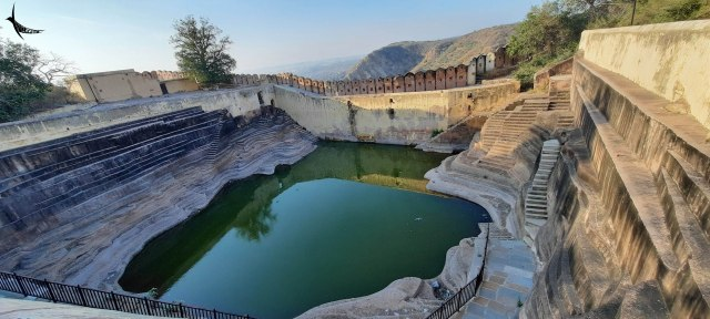 Step well in the Nahargarh Fort